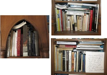Environ 90 volumes brochés et cartonnés modernes...