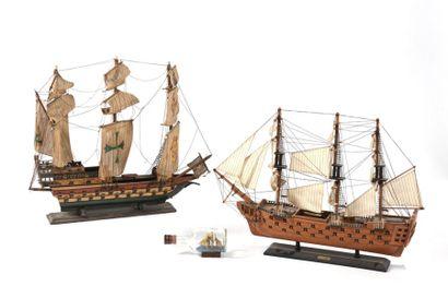 Lot comprenant deux navires trois mâts et...