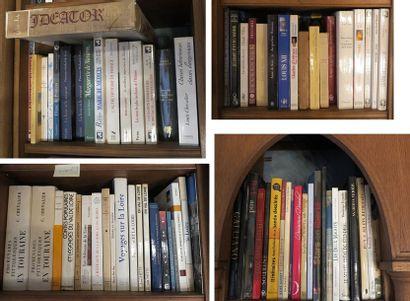 Environ 70 volumes brochés et cartonnés modernes (histoire, Marguerite de Médicis,...