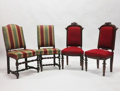 Lot comprenant :  - Deux chaises en bois...