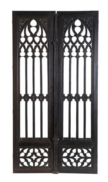 Paire de portes ajourées de style néogothique...