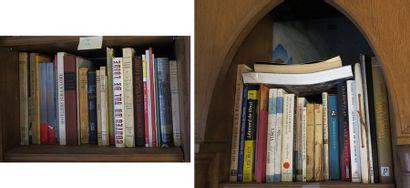 Environ 50 volumes brochés et cartonnés modernes...