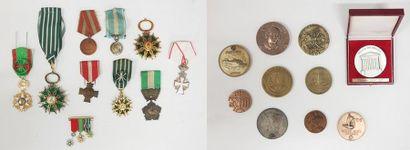 Lot de médailles diverses dont ordre des...