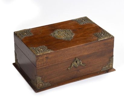 Coffret écritoire en bois naturel à décor...