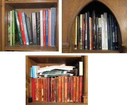 Ensemble d'environ 15 grands volumes cartonnés modernes et en cartonnage d'éditeur...