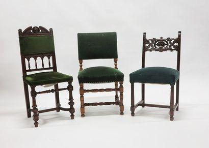 Lot de trois chaises dépareillées en bois...