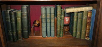 Environ 15 volumes reliés dont oeuvres de Gonzague Saint Bris + 1 joli recueil de...