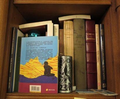 Environ 19 volumes début 20e et moderne dont...