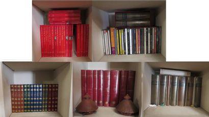 Lot d'environ 60 volumes comprenant volumes...