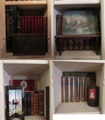 Lot d'environ 35 volumes comprenat volumes...