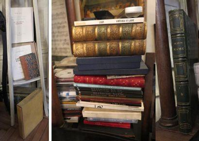 Lot d'environ 13 volumes cartonnés brochés...