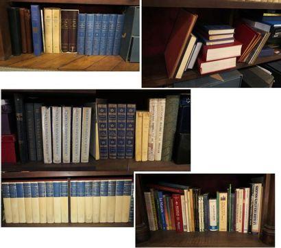Environ 100 volumes comprenant:  - volumes...