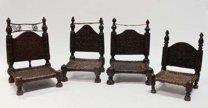 Quatre chaises basses en bois  Pakistan,...