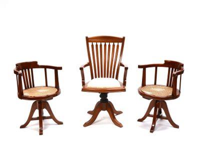 Paire de fauteuils paquebot tournant bois...