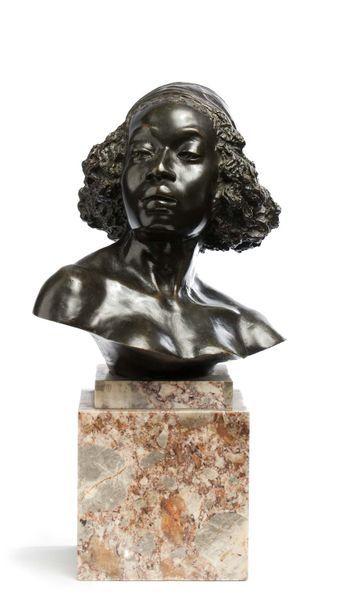 Ecole belge du XXe siècle  Buste de femme...