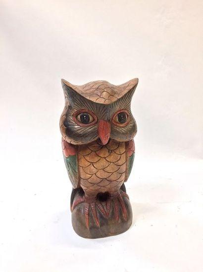 Hibou en bois sculpté polychrome  56,5 x...