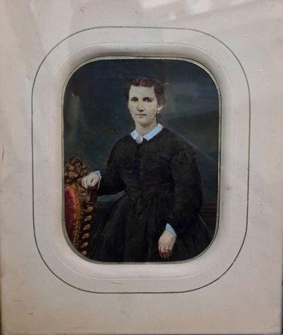 Portrait de femme au camée  Gravure réhaussée...