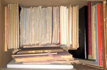 Lot de livres dont deux albums de l'exposition...