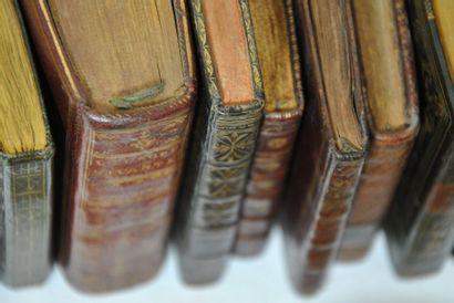 Lot. Ensemble de 17 petits volumes joliment reliés ou almanachs (XVIIIe-XIXe), formats...