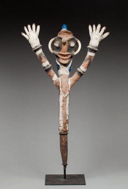 Marionnette cultuelle présentant un buste...