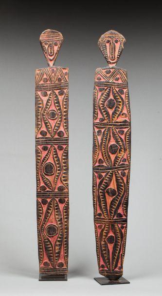 Ensemble de deux tablettes cultuelles présentant...
