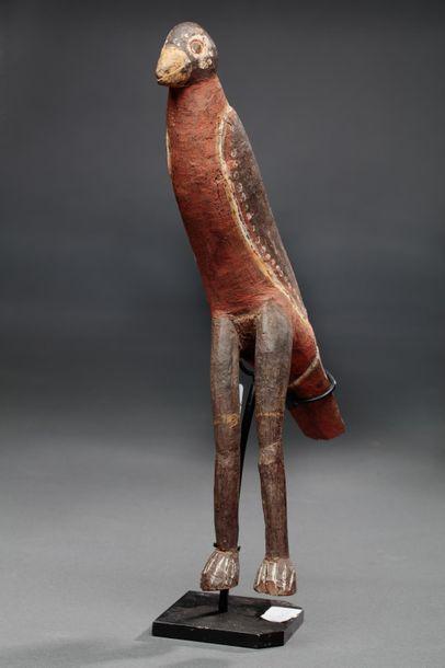 Oiseau votif présentant de belles formes...