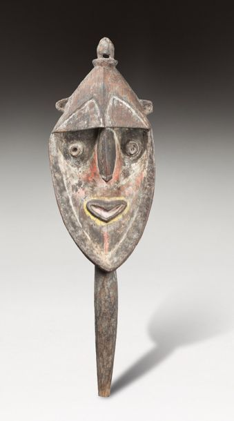 Figure ancestrale associée au rite de la...
