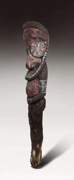 Figure de grade présentant un ancêtre au...