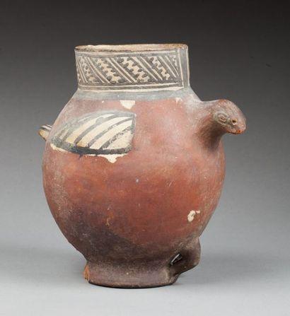 Vase à large col cylindrique, agrémenté d'un...