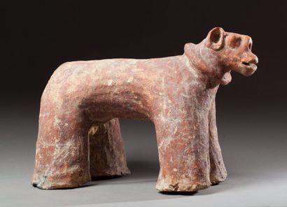 Statue zoomorphe présentant un cheval aux...