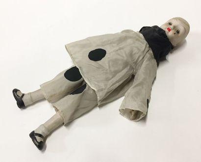 Une poupée Pierrot  Tête, bras et jambes...