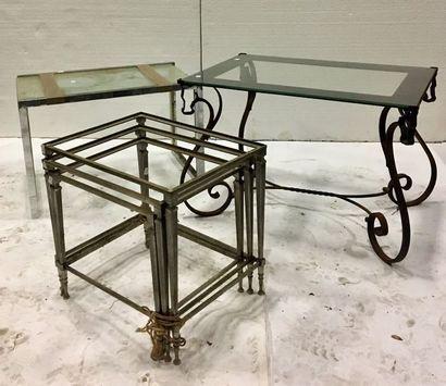 Table basse, piètement en fer forgé à enroulements,...