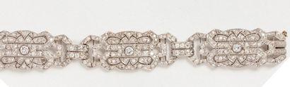 Bracelet Art Déco en or gris 18k (750 millièmes)...