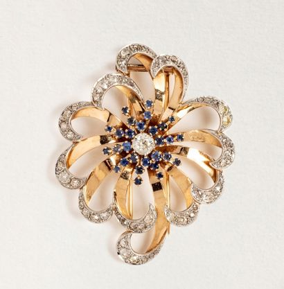 Broche fleur en or 18k (750 millièmes) et...