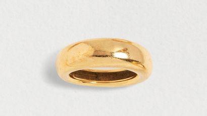 Bague jonc CHAUMET en or jaune 18k (750 millièmes)...