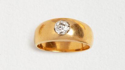 Bague jonc en or jaune 18k (750 millièmes)...