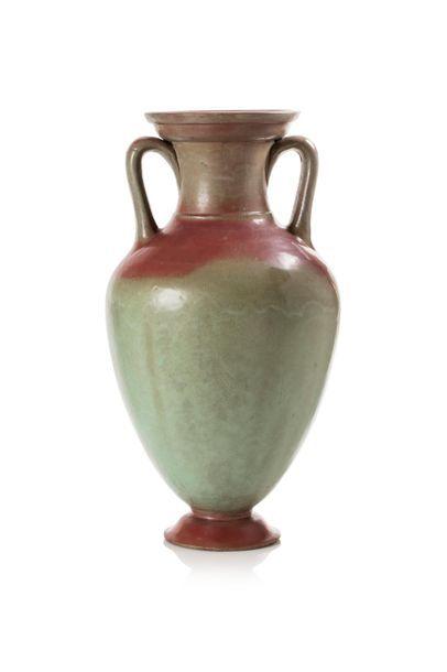 Emile MULLER (1823 - 1889) Important vase en grès en forme d'amphore à deux anses...