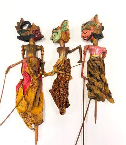 Ensemble de soixante-trois marionnettes utilisées...