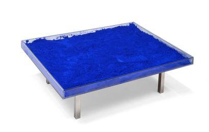 Yves KLEIN (1928-1962) Table bleue, 1963...