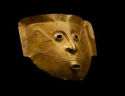 *Masque de cérémonwie d'un seigneur chamane avec symboles marins. Épaisse feuille...