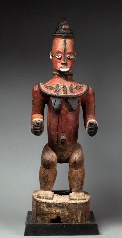Superbe statue représentant une épouse des esprits bénéifiques de la forêt appelés...