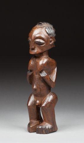 Statuette hermaphrodite présentée debout,...