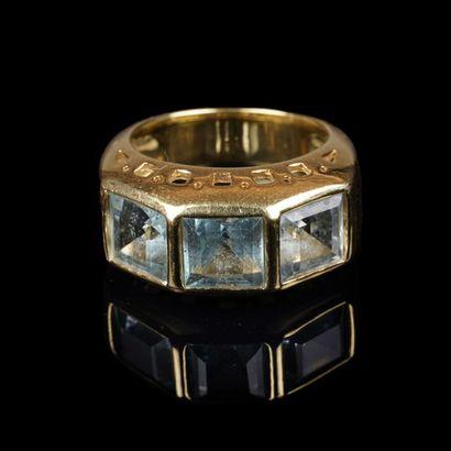 Bague en or jaune (750 milièmes) ornée en...