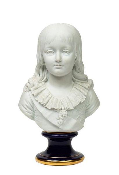 Louis XVII Buste en biscuit de porcelaine...