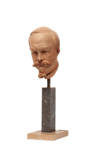 Comte de Paris Tête en terre cuite sculptée figurant Philippe d'Orléans (1838-1894),...