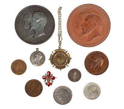 Lot de dix médailles diverses comprenant...