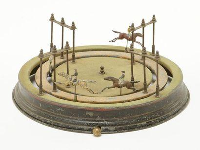 Deux jeux de courses de chevaux à deux rangs Epoque Napoléon III D 33 et 35 cm ...