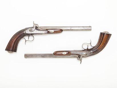 Paire de pistolets de duel français A canons...