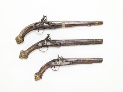 Lot de 3 pistolets de fabrication orientale:...