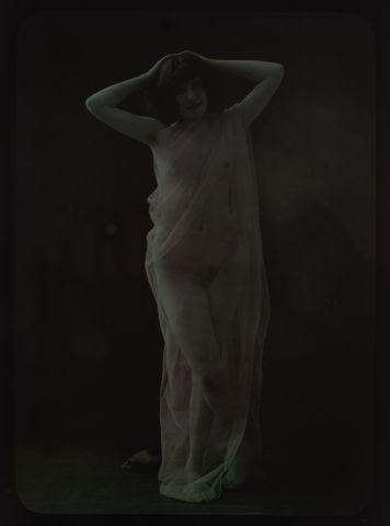 Autochrome Nu au voile, c. 1917 Plaque 18...